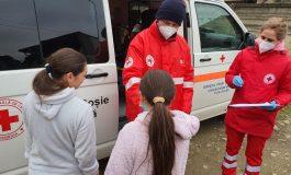 Crucea Roșie și Star Assembly asigură pachete de Crăciun pentru 500 de copii din Județul Alba