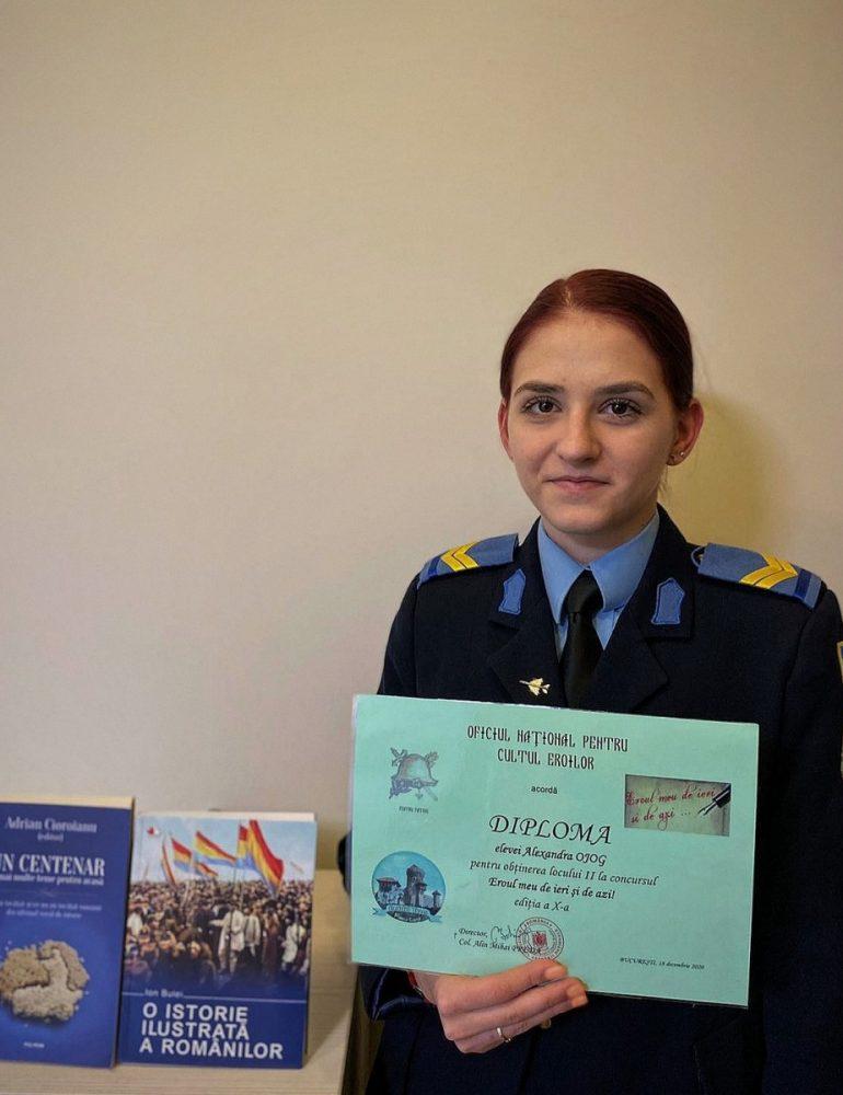"""Premiul II pentru eleva caporal Alexandra Ojog la Concursul """"Eroul meu de ieri și de azi"""""""