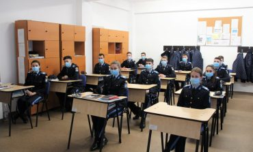 Elevii militari au revenit în colegiu