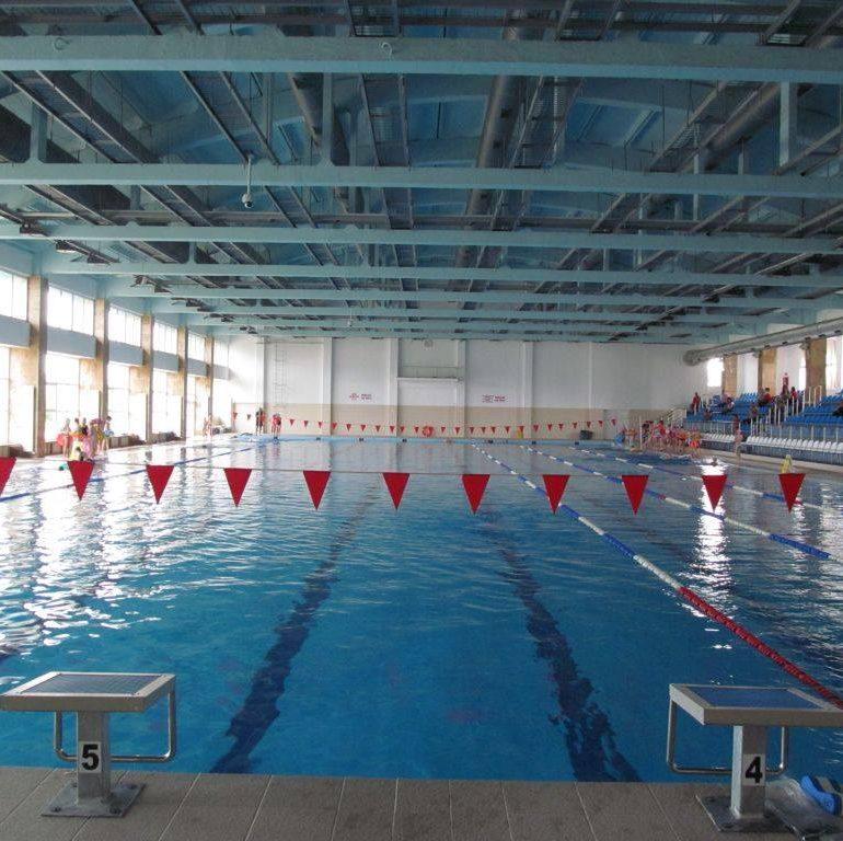 Termen limită pentru cererile de inițiere înot la Bazinul Olimpic