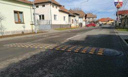 Primăria Alba Iulia a montat limitatoare de viteză pe două străzi din municipiu