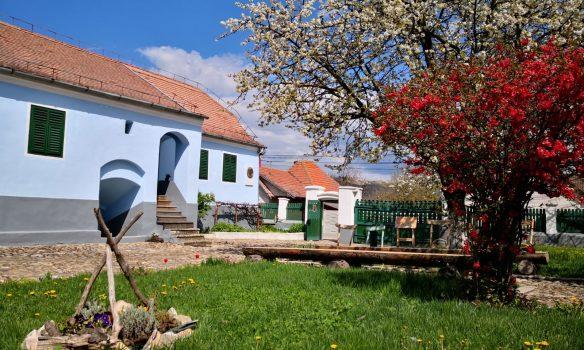 """Casa memorială """"Lucian Blaga"""" din Lancrăm, un reper pe harta turismului cultural românesc"""