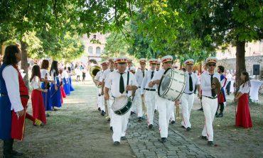 1 Iunie, la Sebeș: Fanfara din Petrești și Scutierii de Muhlbach - primele apariții din acest an, în onoarea copiilor