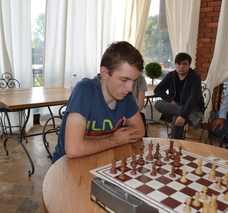 Mihnea Costachi învingător în turneul internaţional de la Oradea