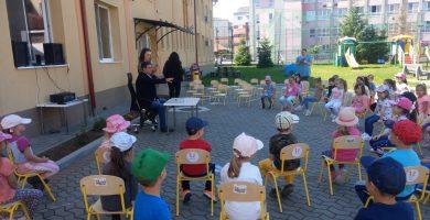Povești frumoase și invitați surpriză la Grădinița cu P.P. nr. 13 Alba Iulia