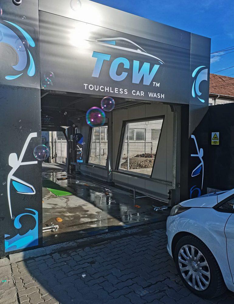 TCW – Touchless Car Wash, o nouă spălătorie auto în Alba Iulia, complet automatizată, dedicată domnilor, dar foarte accesibilă și doamnelor