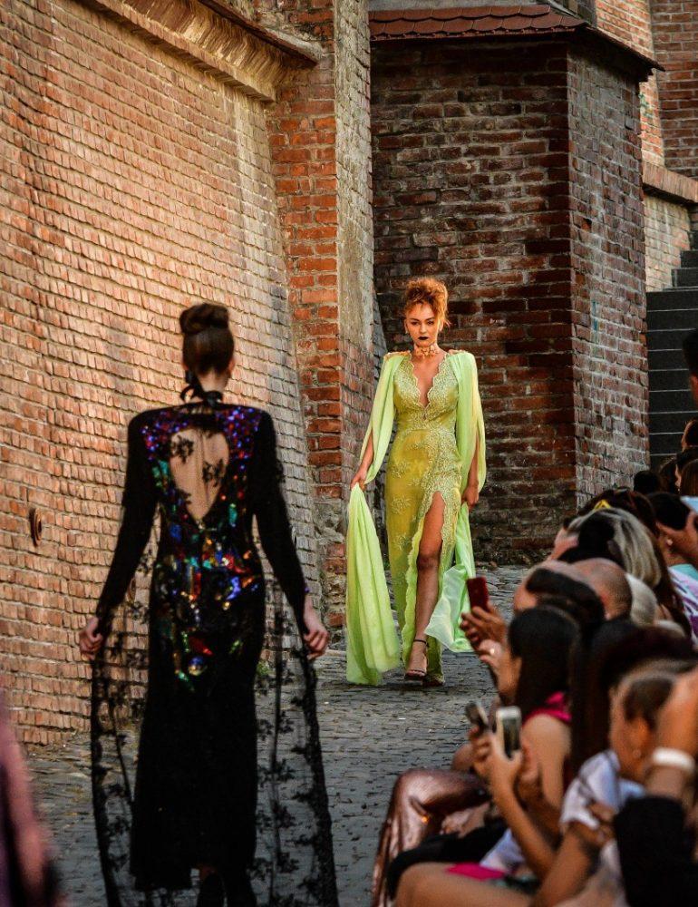 Cea de-a 13-a ediție a Feeric Fashion Week transformă, din nou, Sibiul în capitala mondială a modei